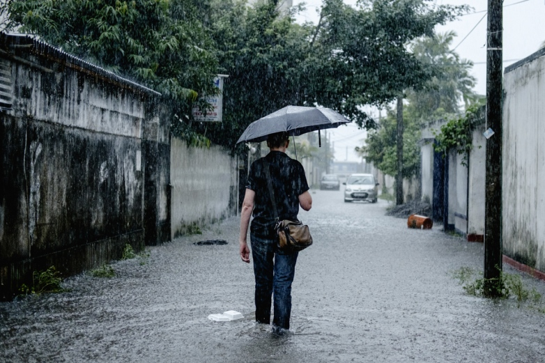 Charlene-Winfred-Rain-9850