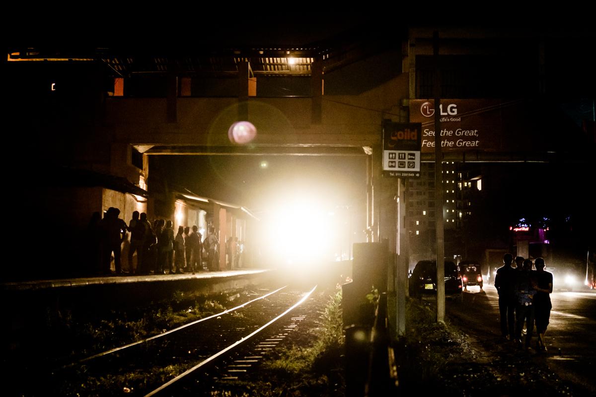 The arrival of the train. Colombo, Sri Lanka. Fujifilm X-T1, XF 35mm F2 | 1/105 sec, f2, ISO 5000