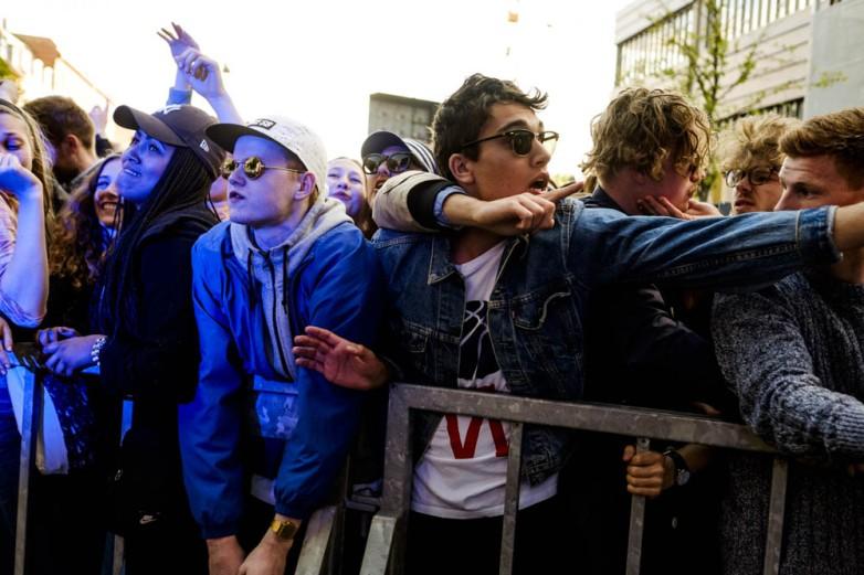 Fans - Distortion street party's RedBull Studios Live #Gadekryds stage