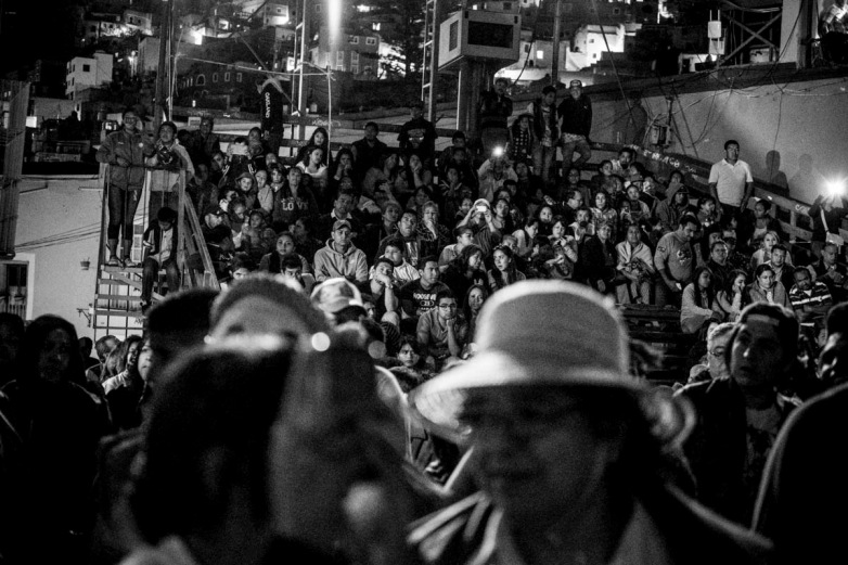 The congregation in Plaza de San Roque