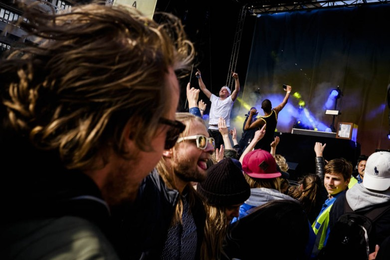 DJ SHAQ snaps a selfie with a wild crowd at the end of his set at the Distortion street party, RedBull Studios Live #Gadekryds stage