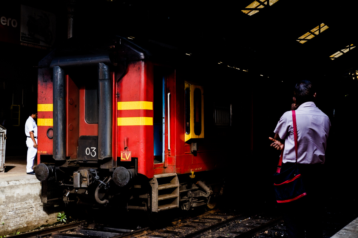 Colombo Fort Train Station. Fujifilm X-T1, XF 35mm f2 | 1/320 sec,, f5.6, ISO 800